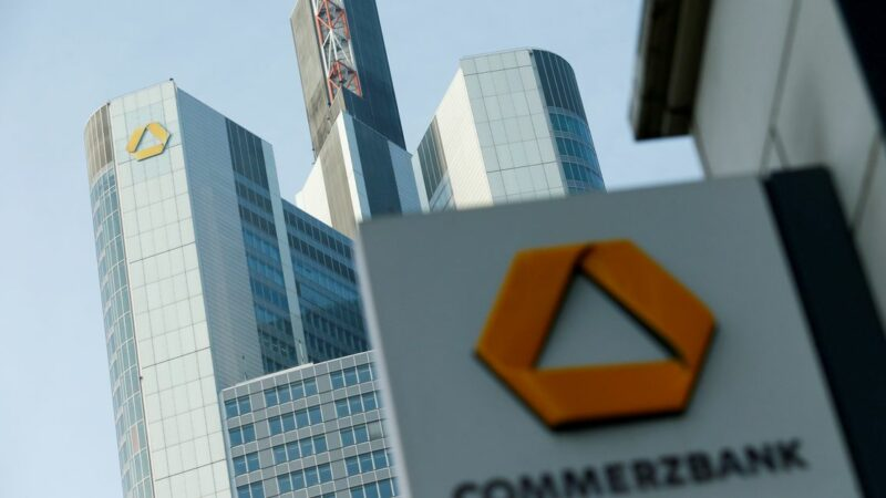 Commerzbank CEO strikes deal with workers for 10,000 job cuts